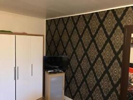 ROOMS TO RENT IN AYLESBURY- 07455241374