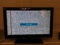 "Samsung 32"" flat screen tv (has a fault black of line down screen)"