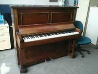 Hallé piano