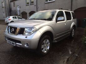 Nissan Pathfinder Very Clean 7 seater, NEW MOT 02/2018