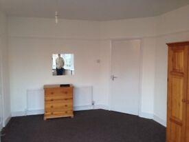 Wembley triangle 1 bedroom first floor flat to rent bills inclusive