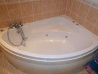 Corner Spa bath and wash hand basin