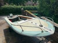 Classic Broom Speedboat with Classic Outboard 18hp