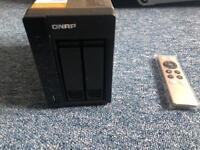 QNAP TS-253-A Nas unit with 4gb ram & 2 x WD red 6tb drive