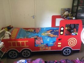 Single bed fire engine