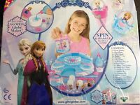 Frozen snow globe maker - Elsa's ballroom