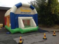 Bouncy castle stadium - Bargain