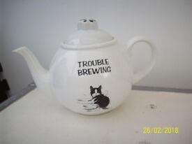 VINTAGE FELIX CAT TEA POT.
