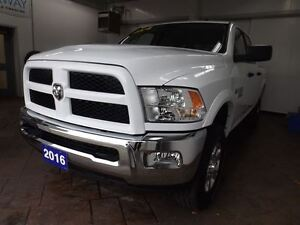 2016 Ram 2500 SLT OUTDOORSMAN 4X4 CREW CAB *HEMI* 5.7L Kitchener / Waterloo Kitchener Area image 9