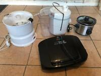Job lot of small kitchen appliances. Grill, slow cooker, peeler and juicer