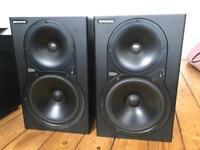 Mackie HR824 studio Monitor Speakers