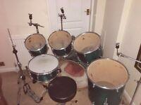 Great 6 piece drum kit.