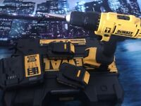 DEWALT DRILL 18V WITH 3 BATTERIES, AS NEW CONDITION.