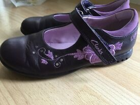 Girls shoes size 11,5 f