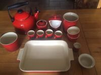 Le Creuset kitchen accessories cookware set in red