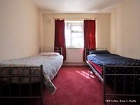 Bed in a room to share with a GIRL in QUEEN'S PARK