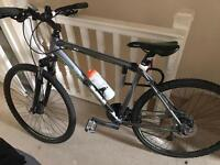 Dawes discovery 501 22 inch hybrid bike - Mint Condition