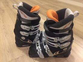 Salomon women's ski boots, size 25.5