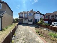 Spacious 5 bed house in romford part dss welcome