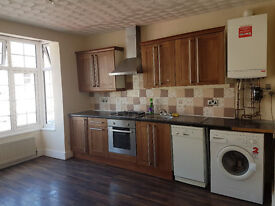3 bedroom Flat Available to rent on Lindsay Avenue, Highwycombe