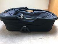 Maxi cosi black carry cot
