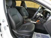 Kia Optima 1.7 CRDi 2 4dr Auto SAT NAV (snow white pearlescent) 2014