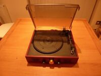 TURNTABLE WITH BUILT IN RADIO