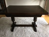 Jaycee solid oak dining table and 4 free chairs