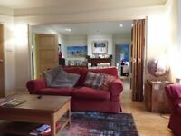 Double Room, private bathroom, parking, walking to Wokingham Town Centre