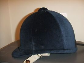 Gatehouse Airflow Hickstead Navy riding Helmet 6 1/2 With Navy Case