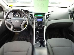 2013 Hyundai Sonata GL | NO ACCIDENTS | HEATED SEATS & BLUETOOTH Stratford Kitchener Area image 4