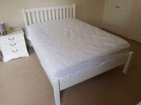 White wood John Lewis Wilton Bed frame 135cmdouble + Nimbus Lux 1000 pocket sprung mattress v clean