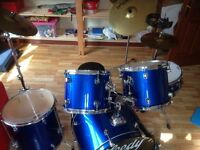 Drum kit (10 piece) with PAISTE cymbals