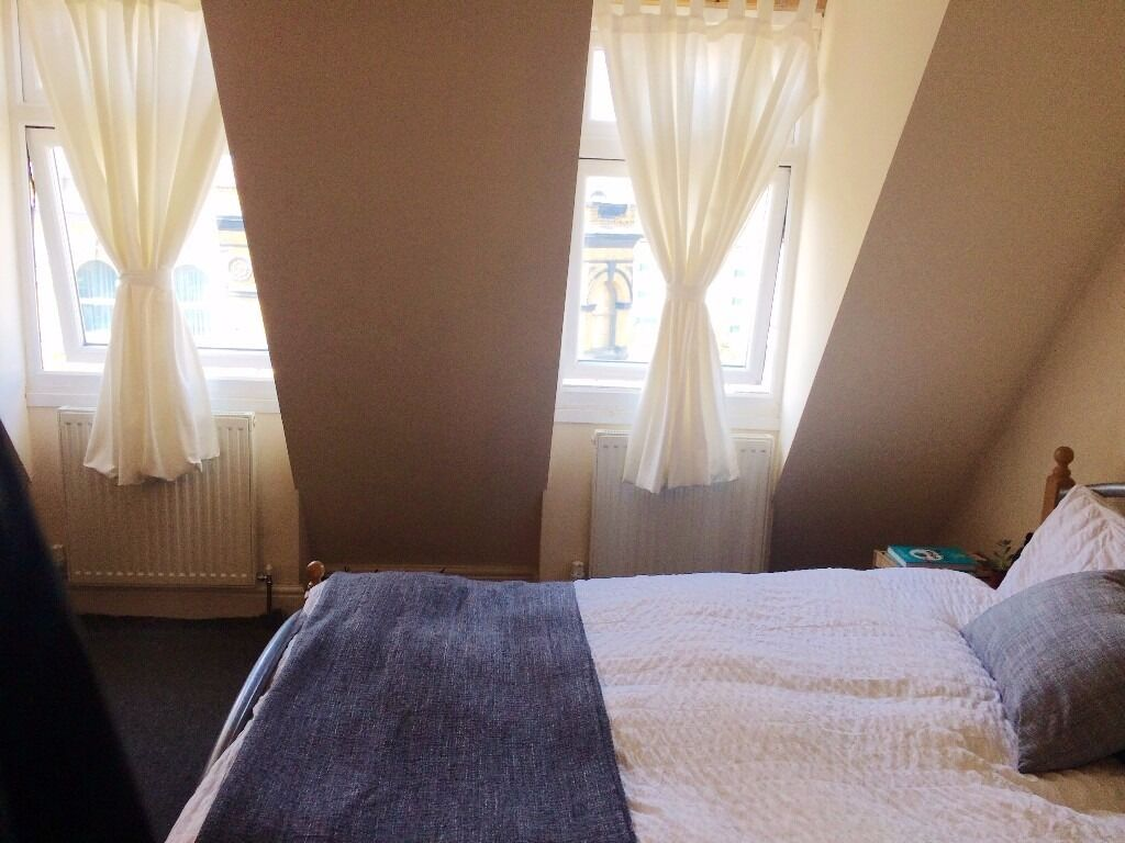 Beautiful Large double room in 3bed/2bath maisonette, 3 min Bethnal Green station