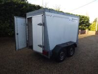 Indespension 4 wheel box trailer, rear doors, hitch and tow.