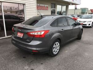 2013 Ford Focus SE HEATED SEATS CLEAN CAR PROOF Windsor Region Ontario image 8
