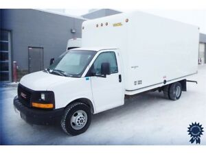 2014 GMC Savana Commercial Cutaway w/UNICELL Van Body