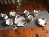 Royal Albert Old Country Rose, bone China, 21-piece Tea Set