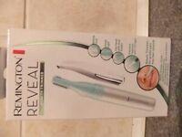 Remington Reveal beauty trimmer
