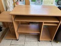 Desk in light wood