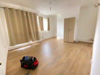 DSS welcome. 3 Bedroom Flat at Mile End