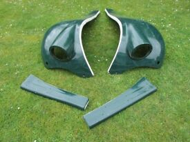 Set of second hand front wings and running boards for TM Gentry kit car.