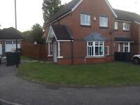 3 bedroom house cv6 area 2 min walk from president Kennedy school