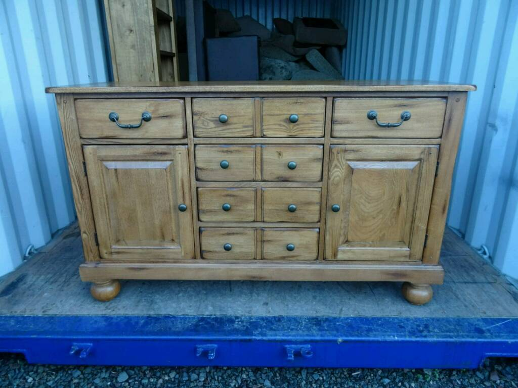 Stunning Rustic Oak Sideboard *Excellent Condition*