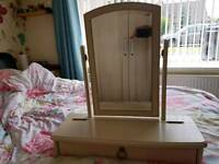 Dressing table mirror with storage