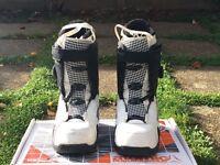 Atomic Snowboarding Boots (UK size 8)