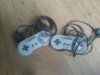 2 Official Nintendo SNES controllers. Super Nintendo.