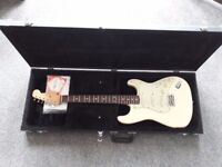 Snowlight 60's Road Worn Fender Stratocaster in Olympic White wifh Hard Fender Case