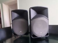 Mackie thump TH-15a loud speakers, good bass