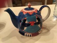 Decorative penguin teapot large